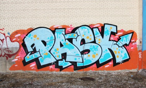 Pask on an abandoned Hochelaga building