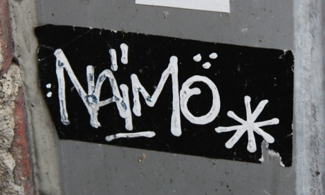 Naimo sticker tag