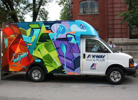 Fleo on truck side for the 2017 edition of Mural Festival