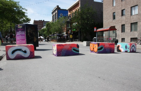 Waxhead on cement blocks for the 2017 edition of Mural Festival