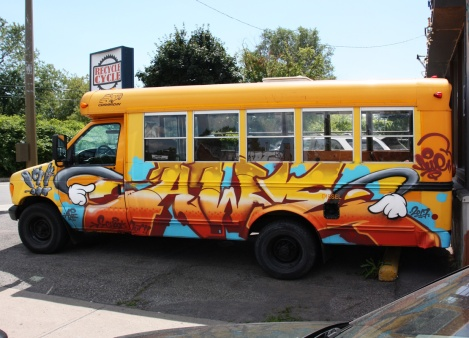 Awe on bus side, for the 2017 Festival de Canes