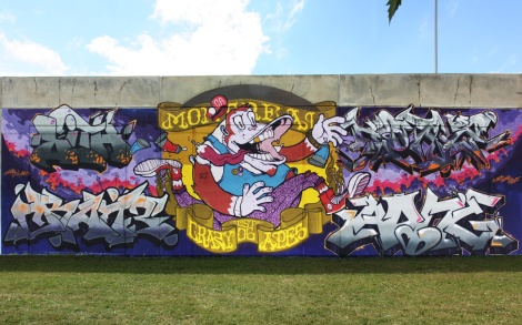 Crazy Apes wall at Festival de Canes featuring Fezat and Narc on central character, in the middle of letters by Lith, Crane, Korb and Akuma