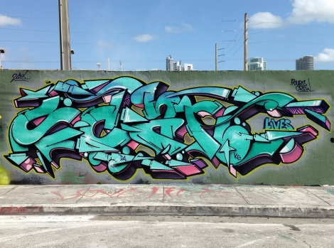 Scan piece in wynwood, Miami, updated by members of the 4S crew