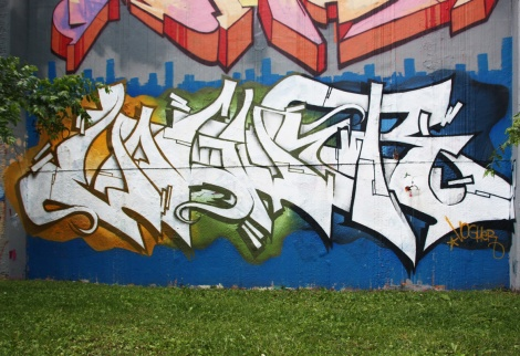 Voguer at the Lachine legal graffiti wall