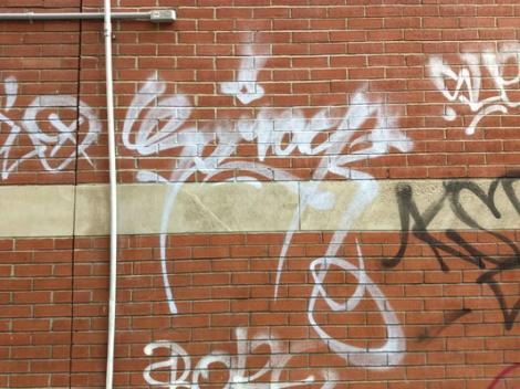 tag by Serak in a Plateau alley