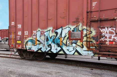 Jaker on train side