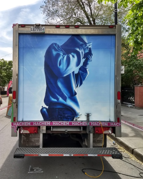 Hest on back of truck for the 2019 edition of Mural Festical