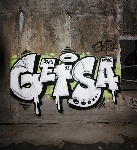 Getsa in an abandoned tunnel